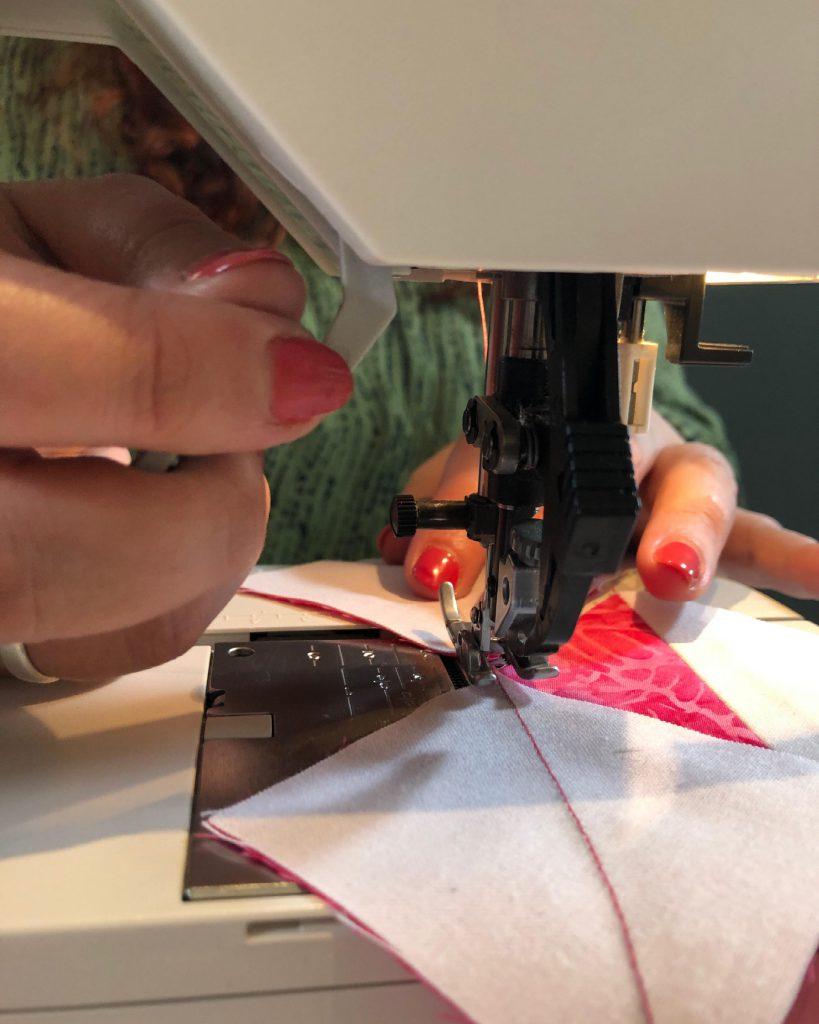 Detail patchwork naaimachine - Marlies Mansveld Quiltinspiratie