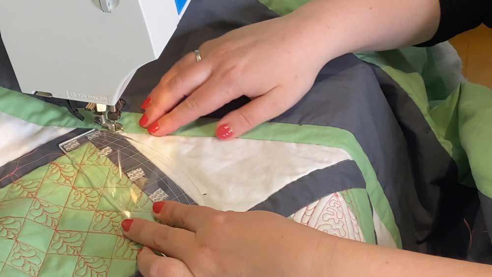 Detail quilten met linialen - Marlies Mansveld Quiltinspiratie