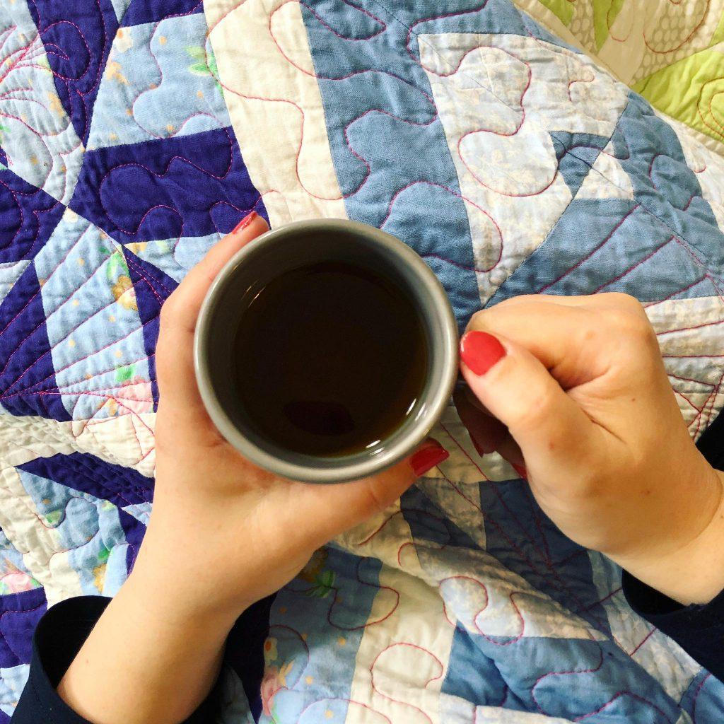 Kop thee met quilt - Marlies Mansveld Quiltinspiratie